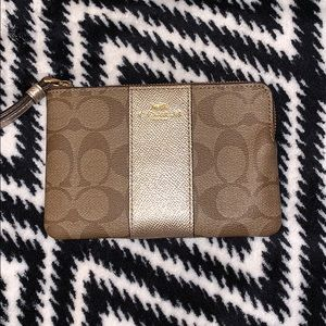NWOT Small Coach Wristlet